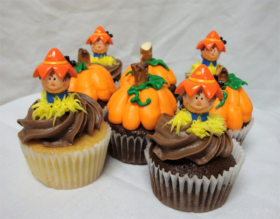 On the Side after Five: Easy Pumpkin Cupcake Recipe & Decorating Tips