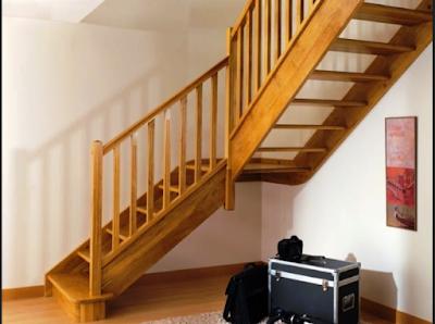 pegangan railing tangga kayu