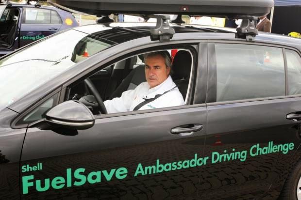 Carlos Sainz nos aconseja para ahorrar carburante