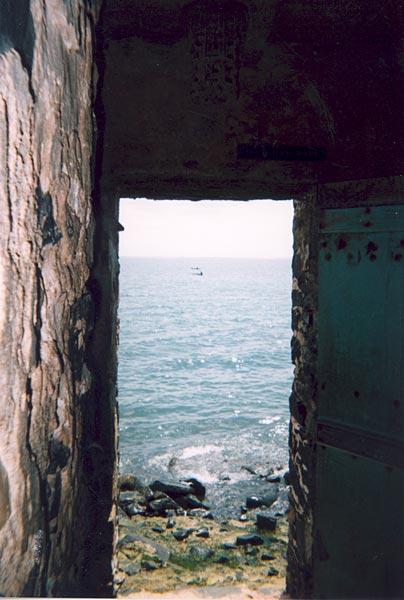 Through the door of no return 1997 film inboxmediaget for Door of no return