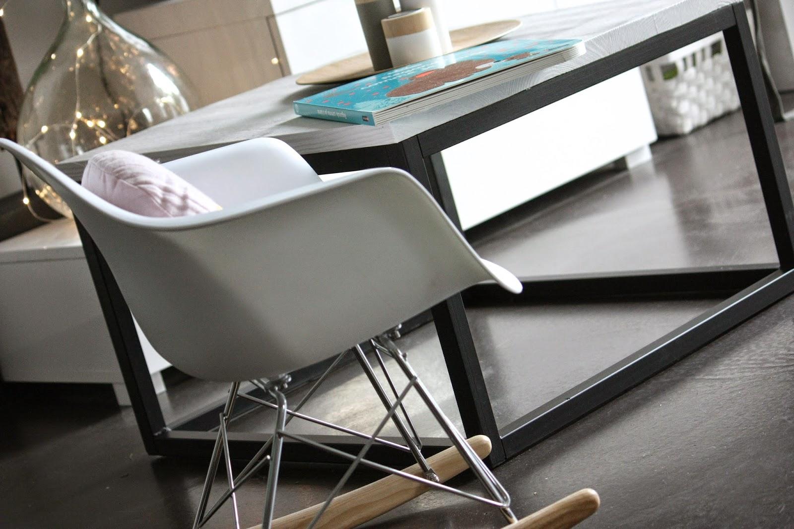 un nouveau regard tuto peinture une table basse unique. Black Bedroom Furniture Sets. Home Design Ideas