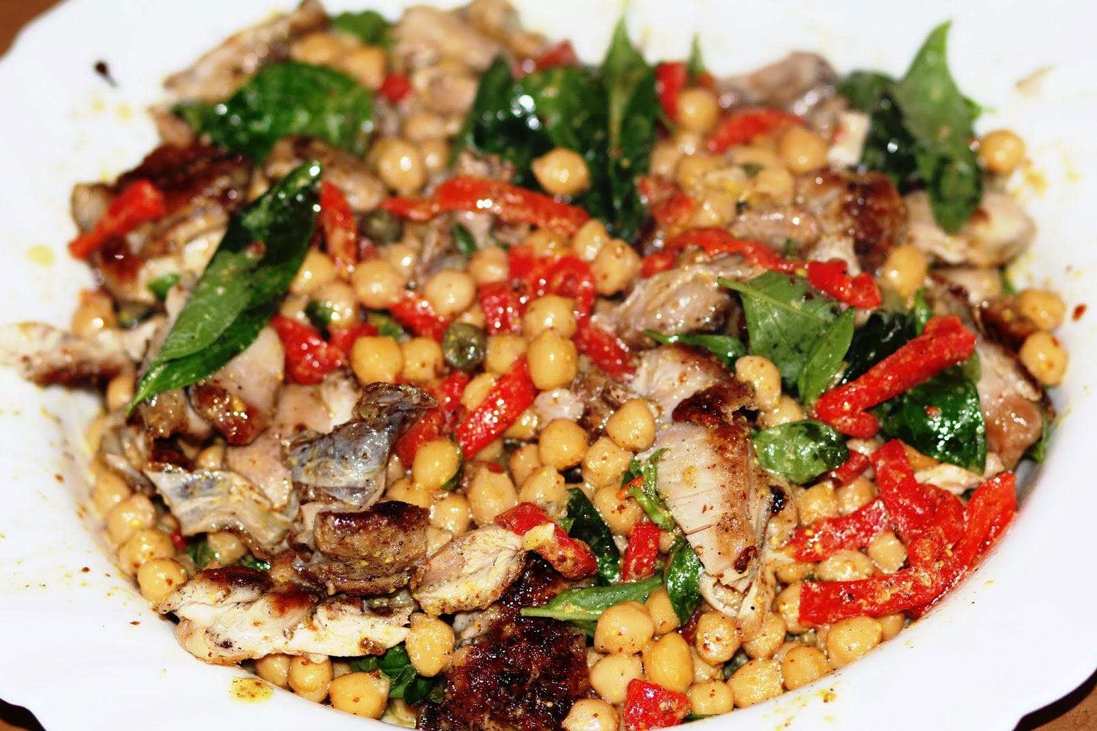 Салат с нутом и курицей рецепт