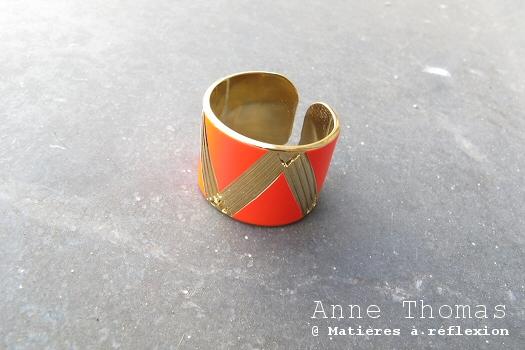 Bague rouge Anne Thomas bijoux géométrique