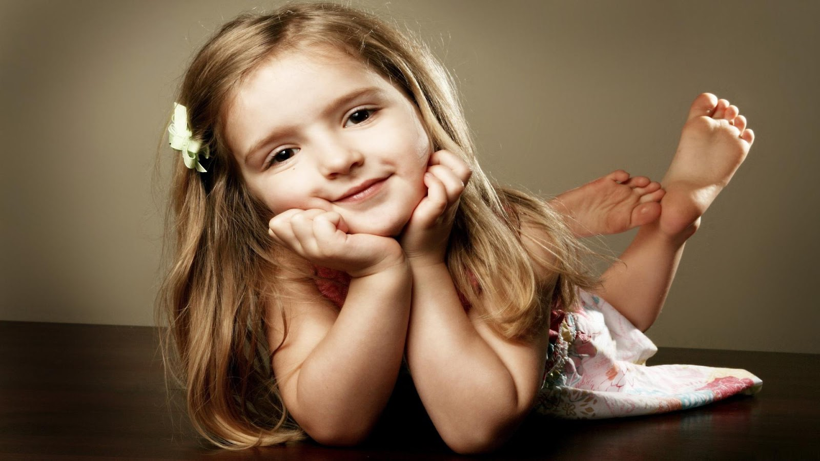 Cute baby girls 10 wallpapers download hd wallpapers - Sweet baby girl wallpaper pictures ...