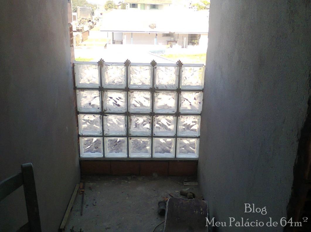 instalação de tijolos de vidro