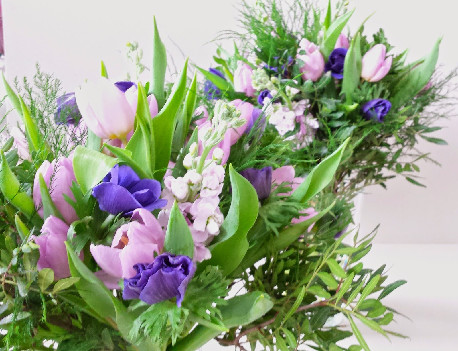 la petite boutique de fleurs fleuriste mariage lyon fleuriste mariage rh ne an mones purple. Black Bedroom Furniture Sets. Home Design Ideas