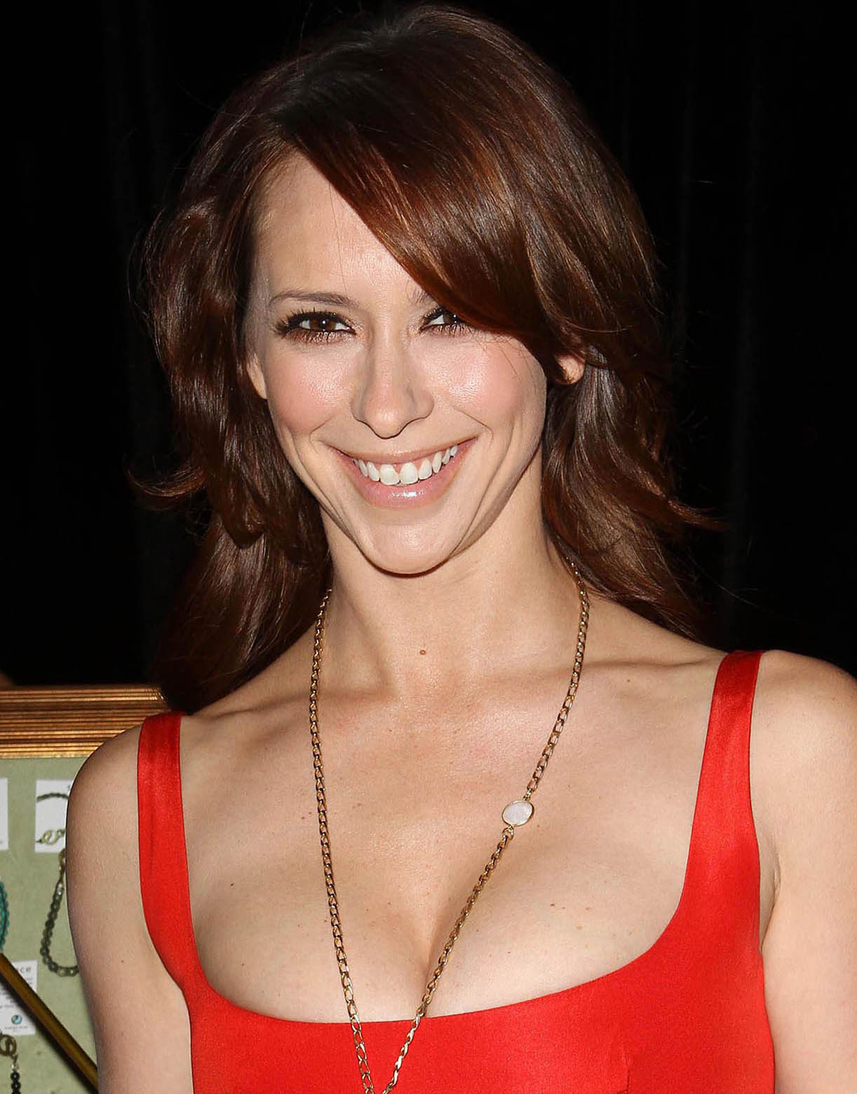 http://3.bp.blogspot.com/-MxTb6jbNVh4/TtzaL8mG0jI/AAAAAAAAAJM/xNfS94RjnZM/s1600/jennifer_love_hewitt_red_tight_dress.jpg