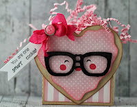 http://thisandthatbygwen.blogspot.com/2014/03/smart-cookie-treat-box.html