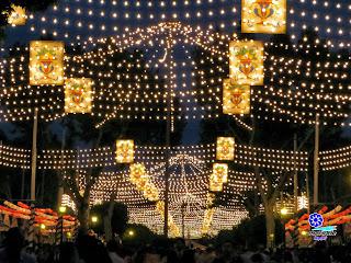 Feria de Sevilla 2014 La llegada de la noche no es el fin sino el inicio de la fiesta