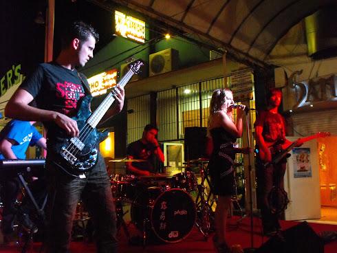 Custom Rock Live!