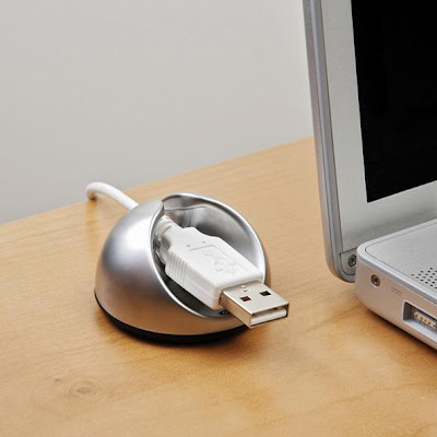 Clever Cable Organizers and Cool Cable Holder Designs (15) 5