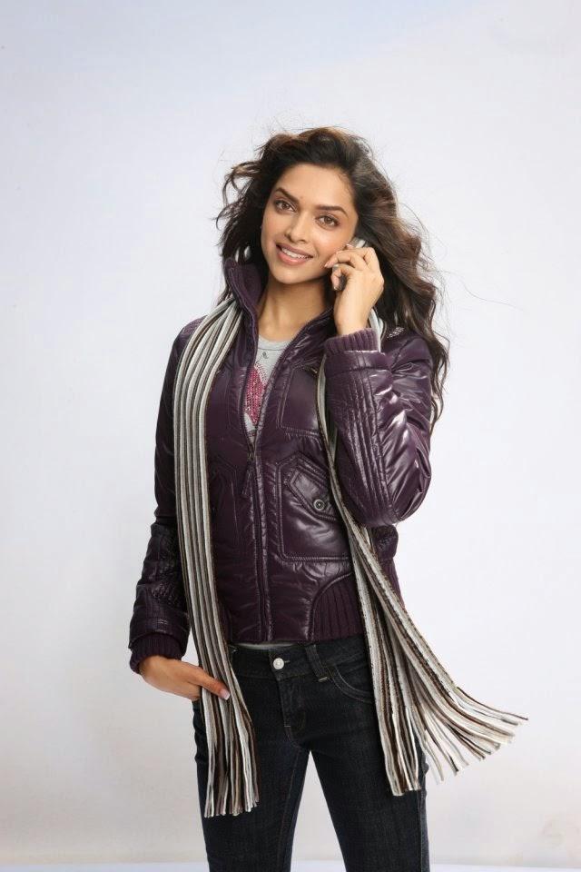 Deepika Padukone exposing her black underwear in her tight black jeans