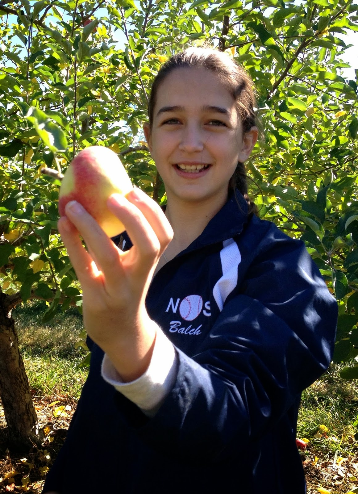 girl with apple: simplelivingeating.com