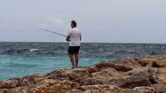 Yayo pescando en Maldivas