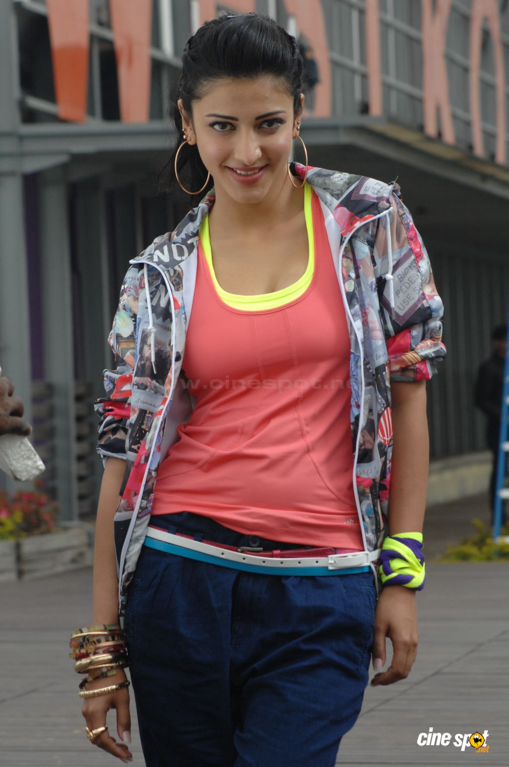 Shruti Hassan1 - Shruti Hassan Basketball Stills