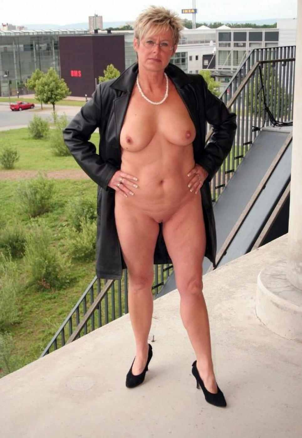 Free Mature Women Galleries From Allover30com