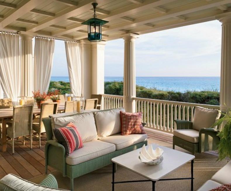Coastal outdoor living room