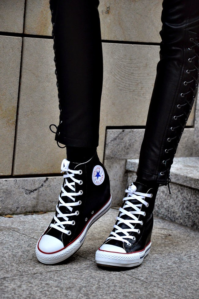 Girl with converse chuck taylor - 4 8