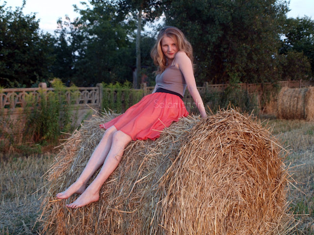 asymetryczna spódniczka