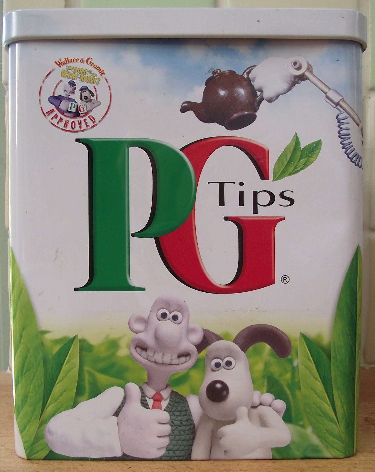 Lizzie Lenard Vintage Sewing: What\'s in the Wallace and Gromit Tea ...
