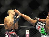 UFC 142 Rio - Nocaute de Edson Barboza