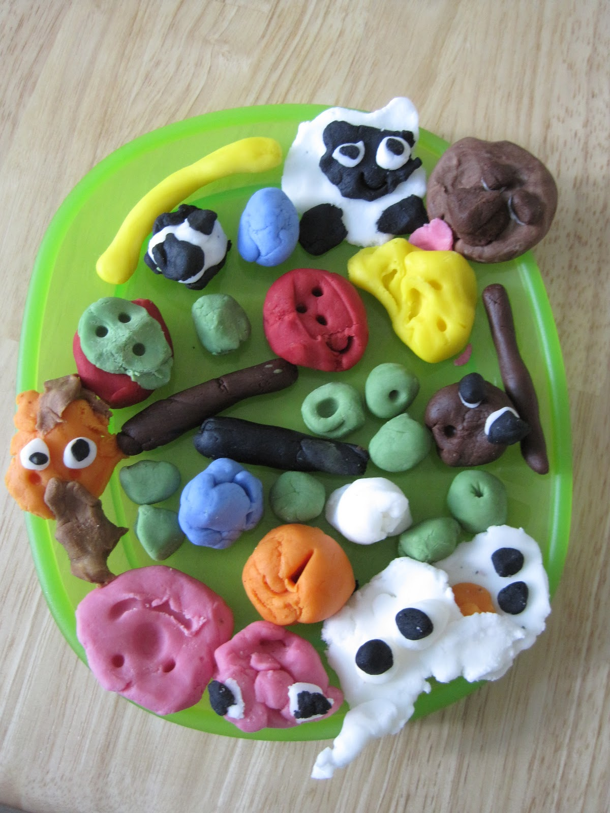 Baby baby farm animal cake toppers for Animal cake decoration