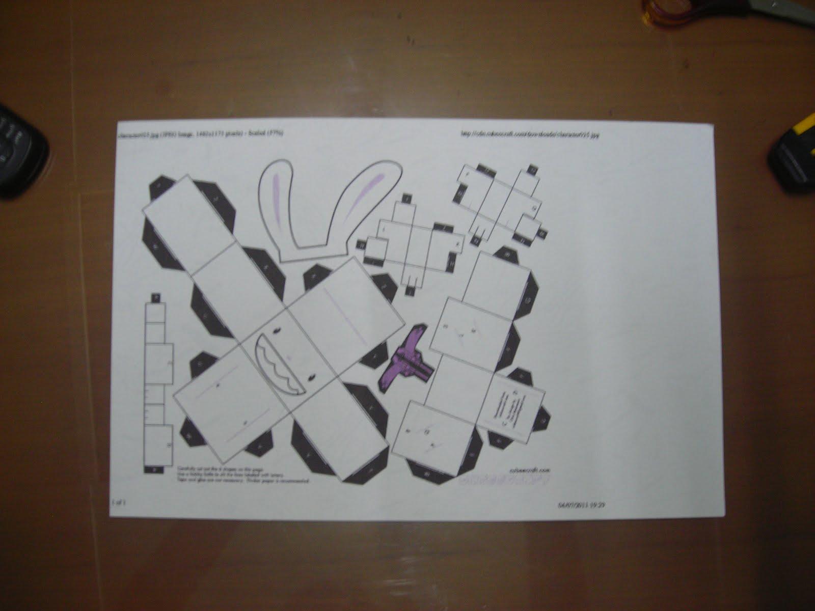 Ini adalah sketsa yang sudah diprint, siap untuk digunting dan dilipat ...