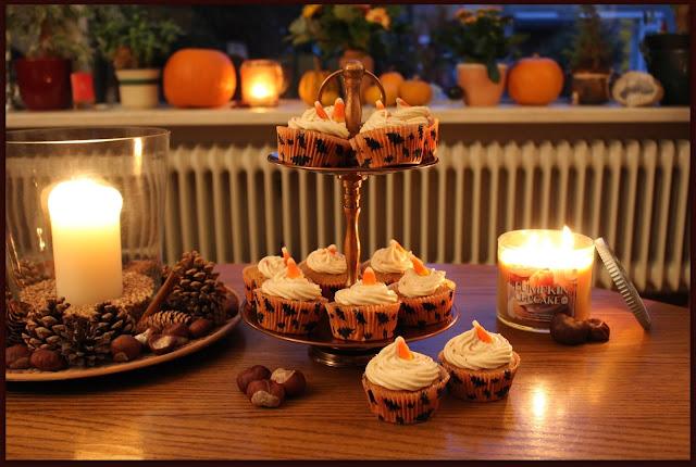 Happy Halloween Samhain pumpkin cupcakes
