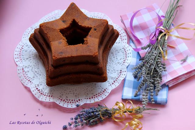 BUNDT CAKE DE CHOCOLATE BLANCO Y LICOR DE CEREZAS