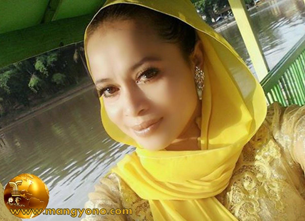 Yuli Merdekawati Lurah Cantik Multitalenta dari Cigadung, Subang.