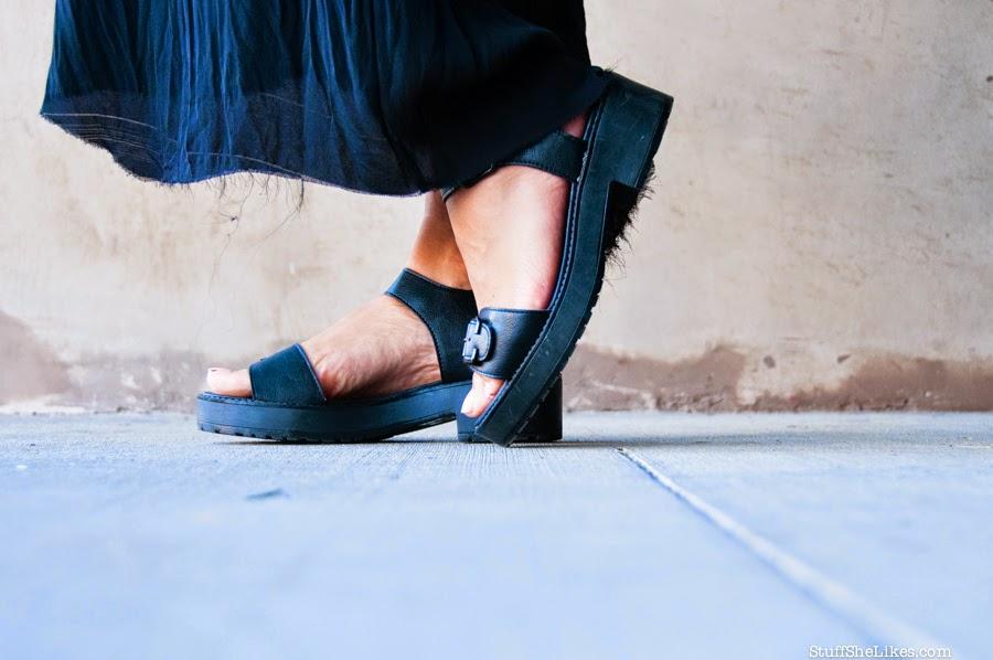 lulus, crop top, luke wessman, snapback hat, alexander wang purse, fashion blogger, best fashion blogger, best LA fashion blog, taye hansberry, gold belt, red lipstick, black skirt, blogger, top ten fashion blogs