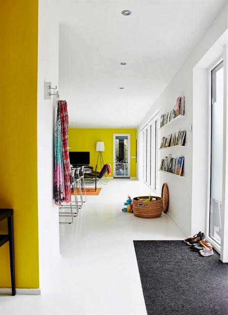 Interior Dengan Aksen Warna Tegas 3