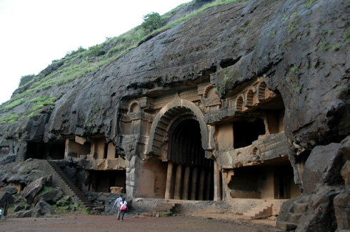 bhaja caves maharashtra The buddhist excavations at bhaja, also known as bhaja caves, date almost to the 1st century ad and are believed to be one of the oldest buddhist religious centres in this area it is also a big tourist draw as it is near lonavala, but thankfully, because of its classification as a national monument, it is relatively well maintained compared to many other tourist attractions here.
