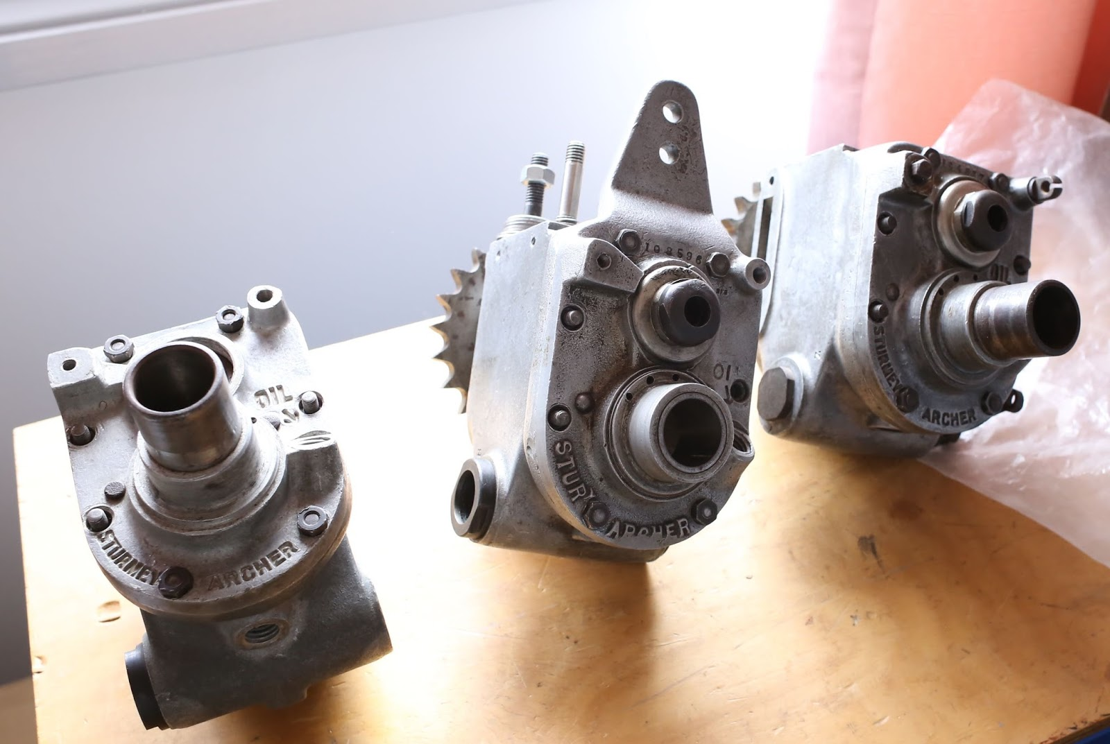 The Velobanjogent Velobanjogents Off To Uk For 10 Days Gear Box Of Motorcycle Some Sturmey Archer Gearbox Casesall Internals Were Carefully Oiled And Packed Away