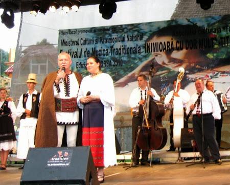 """Borșa (Maramureș), 20 iulie 2010 - Prezentând prima ediție a Festivalului """"Titiana Mihali""""."""