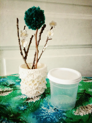 pot en plastique crochet pompon