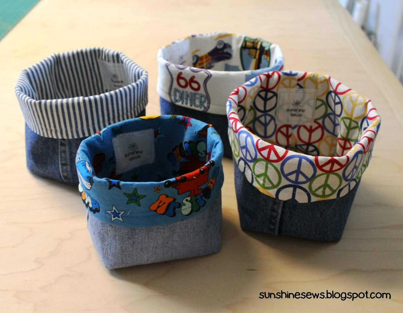 Sunshine sews recycled denim fabric baskets for Recycled crafts to sell