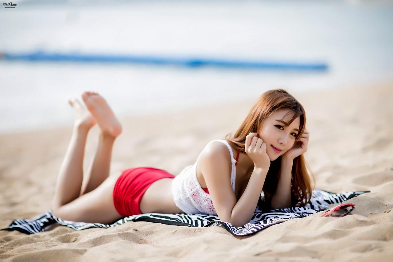 Yoon Chae Won - Beach Beauty