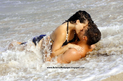 50 Hot Couples Kissing Photos And Desktop Wallpapers
