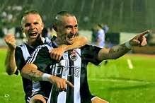 Copi, celebrando un gol