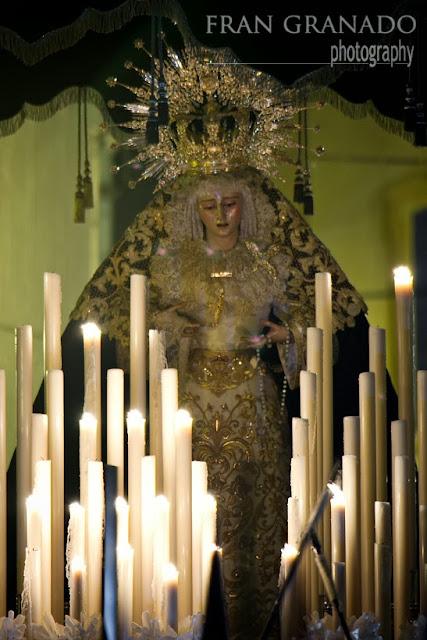 http://franciscogranadopatero35.blogspot.com/2014/01/a-la-hdad-de-jesus-nazareno-le_27.html