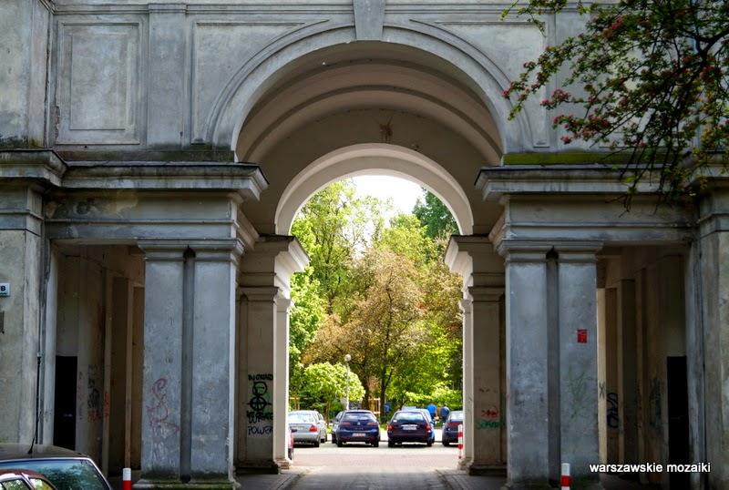 Warszawa stolica Muranów kolumny