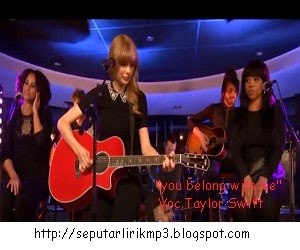 http://fernandagodoi.blogspot.com/2015/02/lirik-lagu-you-belong-with-me-dari.html