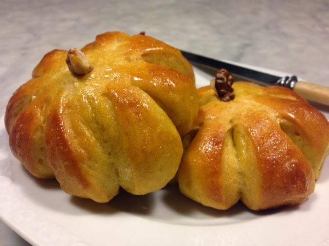 pumpkin dinner rolls - piccole zucche di pane di silvia