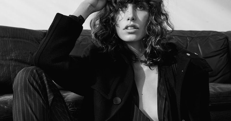 Lorelle Rayner Nude Photos 51