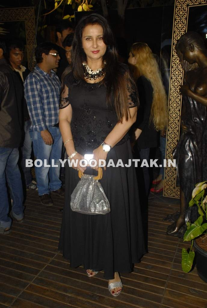 , Sara Khan ,mink, Poonam Dhillon At Rohit Verma Birthday Bash