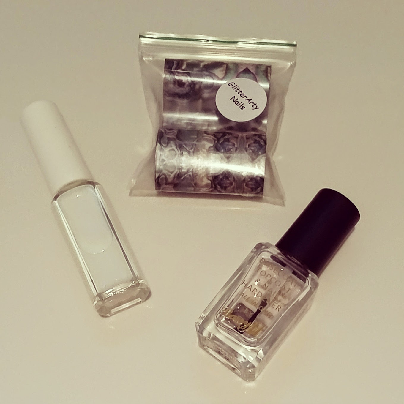 mother-of-pearl-nail-foils