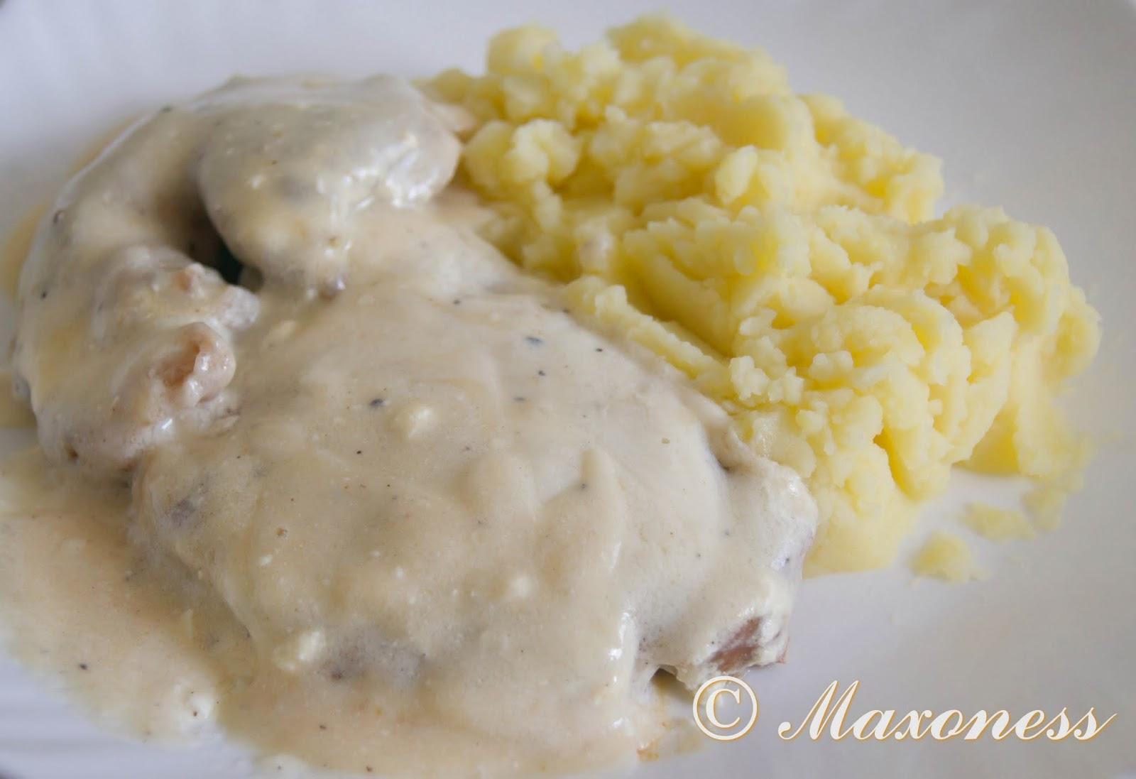 Шницель из свинины с лимонным соусом. Румынская кухня.