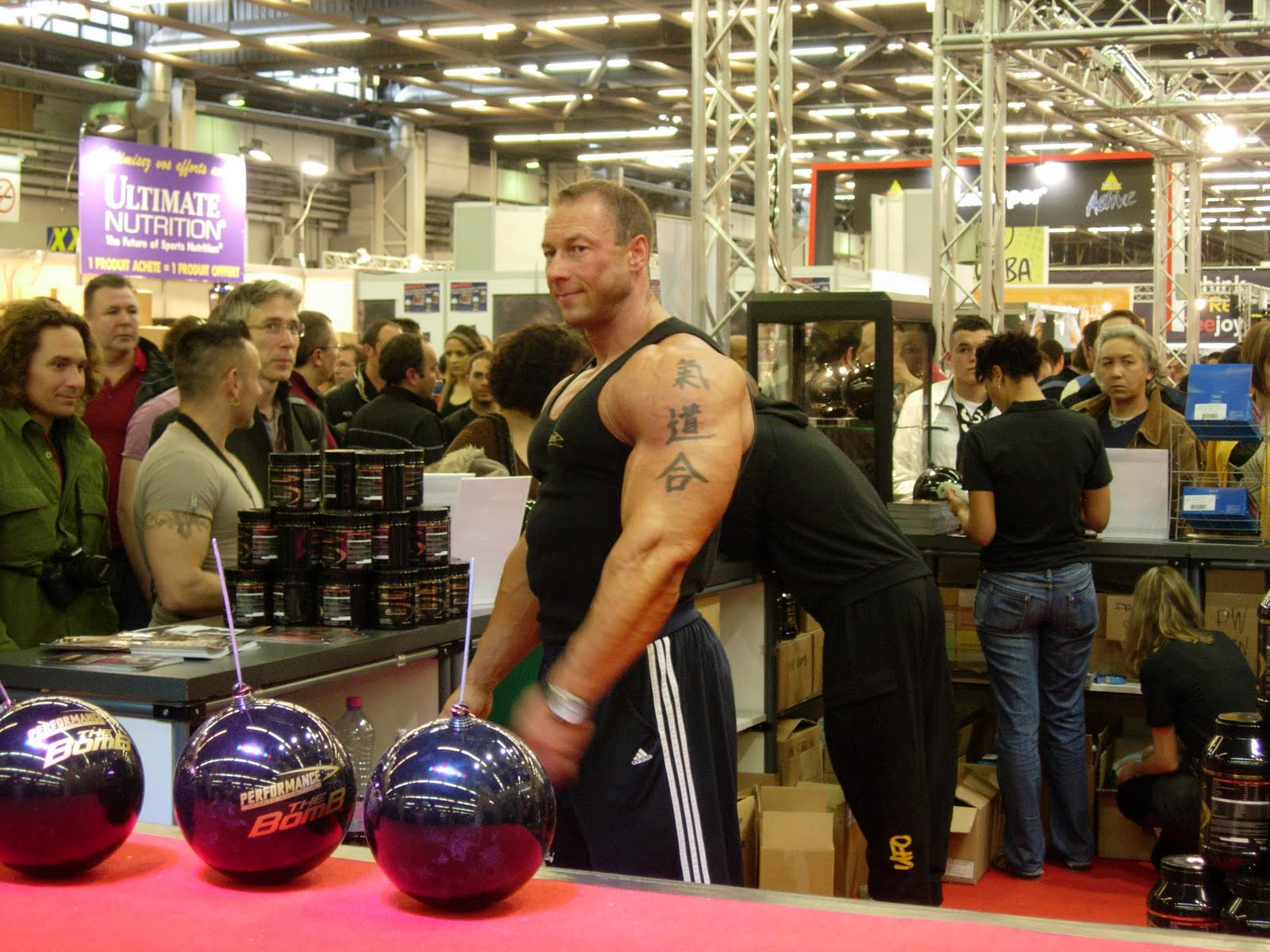 Gr gory capra visite au salon mondial du fitness paris for Salon du fitness palexpo