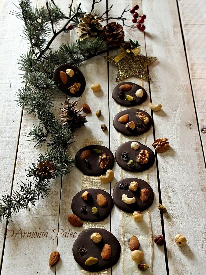 Mendiants - Cioccolatini con Frutta Secca di Armonia Paleo
